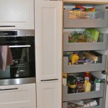 Küchenschrank mit viel Stauraum