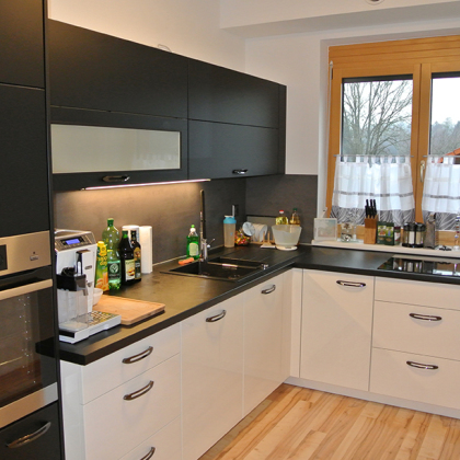 Küche in Schwarz Weiß