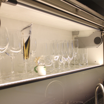 Glasschrank mit Innenbeleuchtung