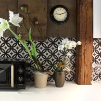 Retrofliesen als Hingucker auf der Küchenrückwand